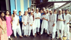 Ganesh chaturthi aarti in train By Hindustan times