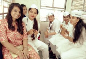 Ganesh aarti in train by Hindustan times